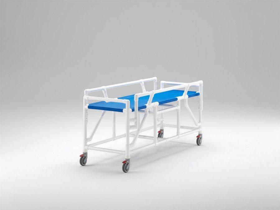 Carro camilla compatible con RM hasta 3 tesla con barreras laterales abatibles y superficie del paciente en tejido Textilene